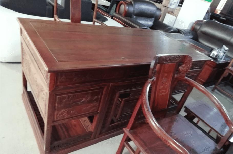 9成新红木老板桌