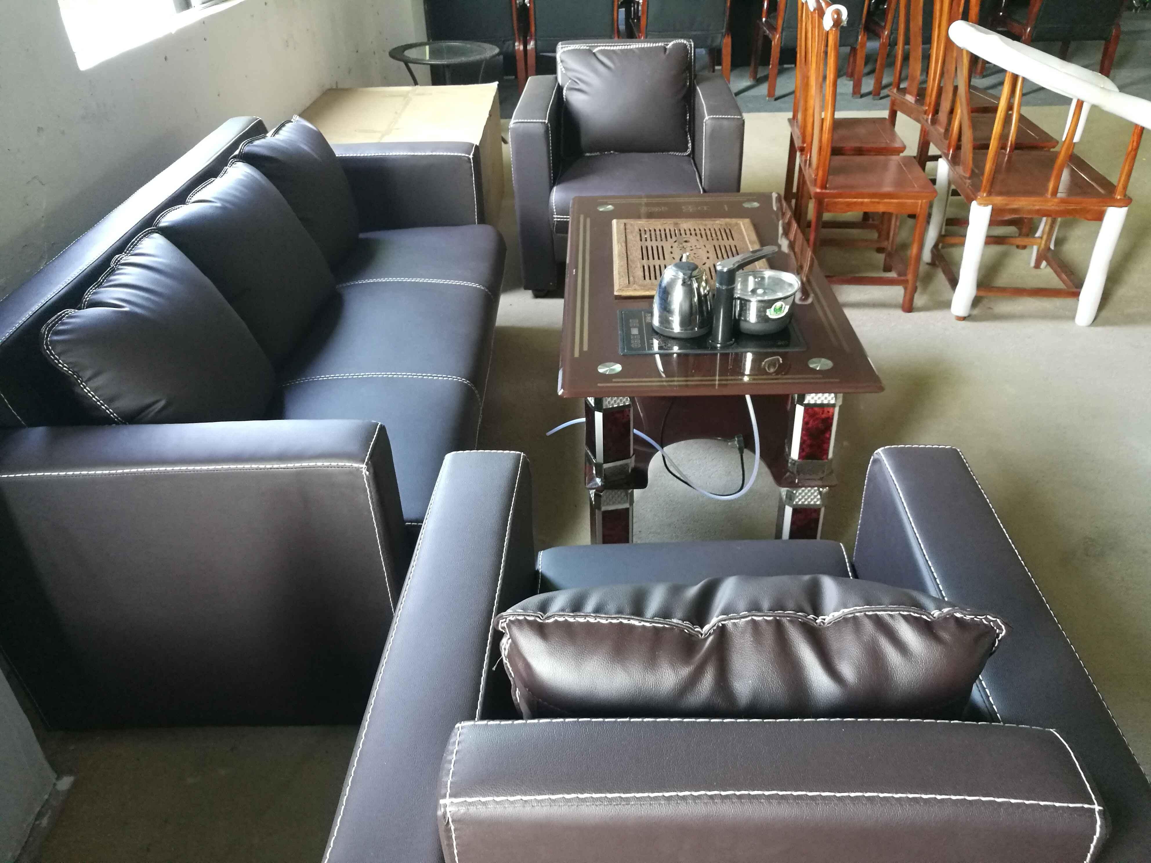 二手咖啡色皮质组合沙发