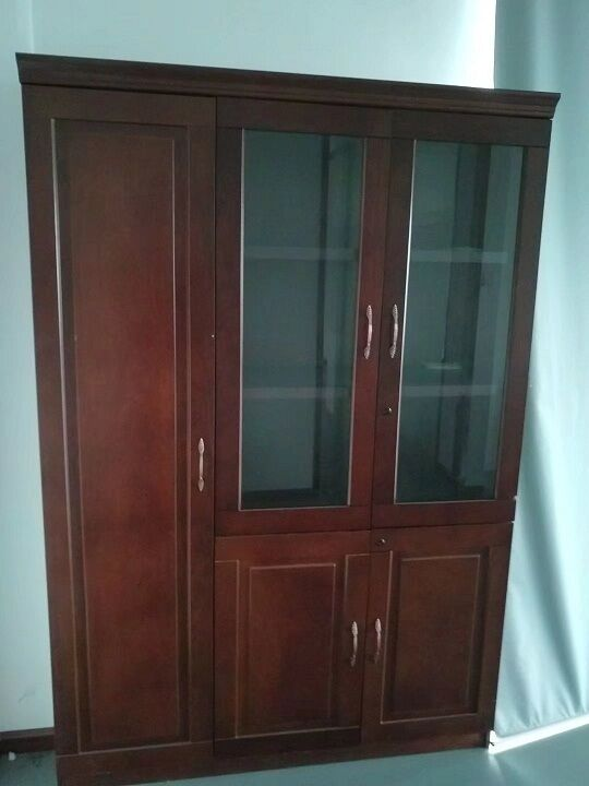 二手玻璃三门实木书柜